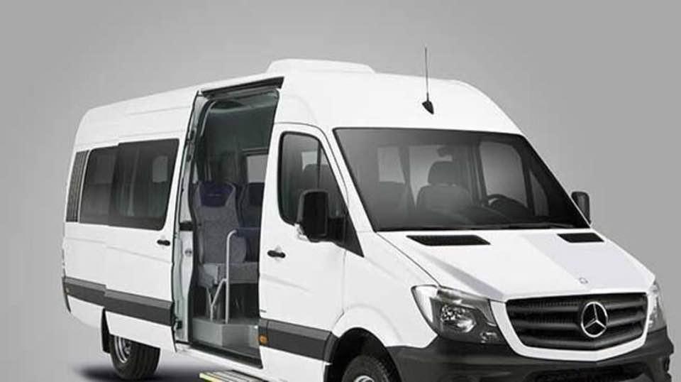 Bu aracın kapasitesi 1-14 kişidir.Bu araç seçeneğinde ücretsiz su -Müzik - Bebek Koltuğu - Booster hizmetimiz bulunmaktadır.